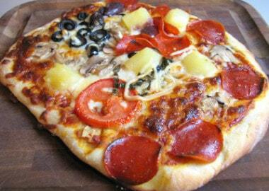 Daring Baker's October Challenge – Homemade Pizza