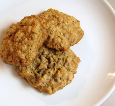 Oatmeal Cookies with Cinnamon Chips and Walnuts