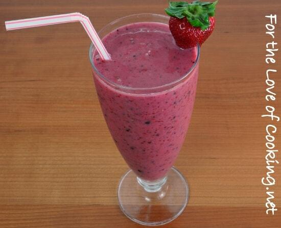 Mixed Berry, Banana, and Yogurt Smoothie