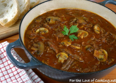 Rustic Slow-Simmered Mushroom and Meat Sauce