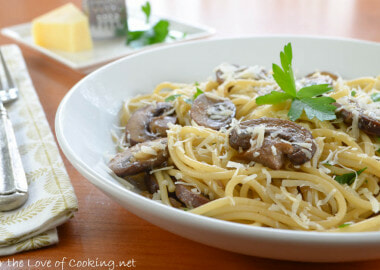 Spaghetti with Garlicky Mushrooms and Parmesan