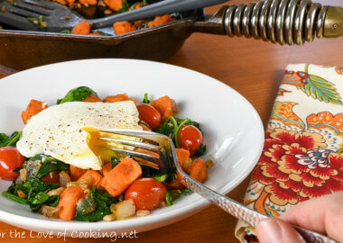 Sweet Potato, Spinach, Farro and Poached Egg Breakfast Bowl