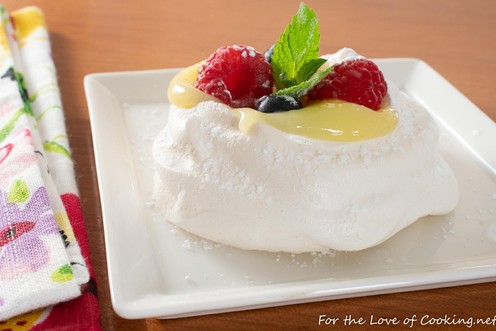 Mini Pavlova with Lemon Curd and Fresh Berries