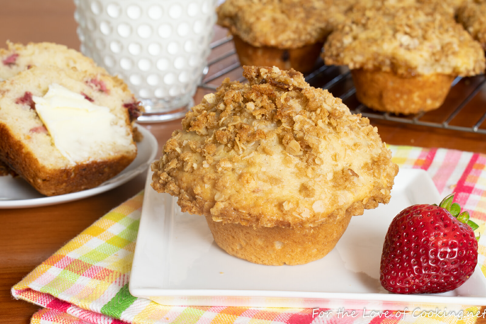 Strawberry Rhubarb Streusel Muffins